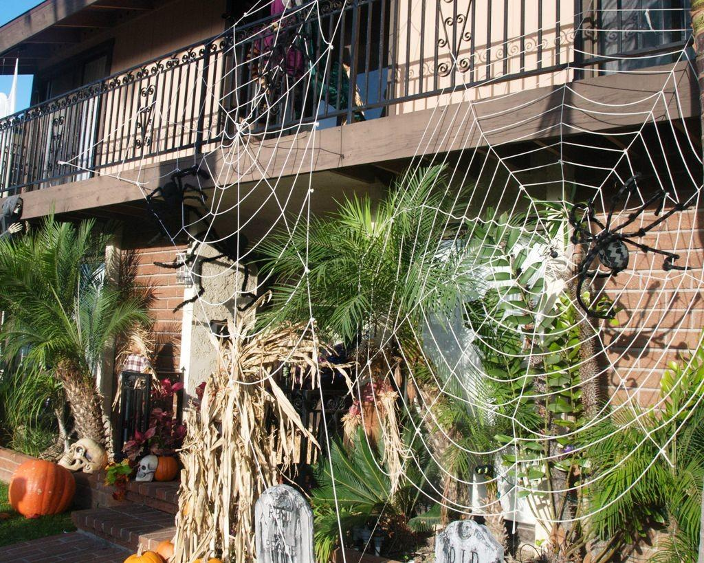 40 Incredible Diy Halloween Decorations Spider Web That Every Man Dream About In Pictures Decoratorist