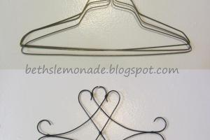 Beth Lemonade Faux Iron Scroll Decor Wire Hangers