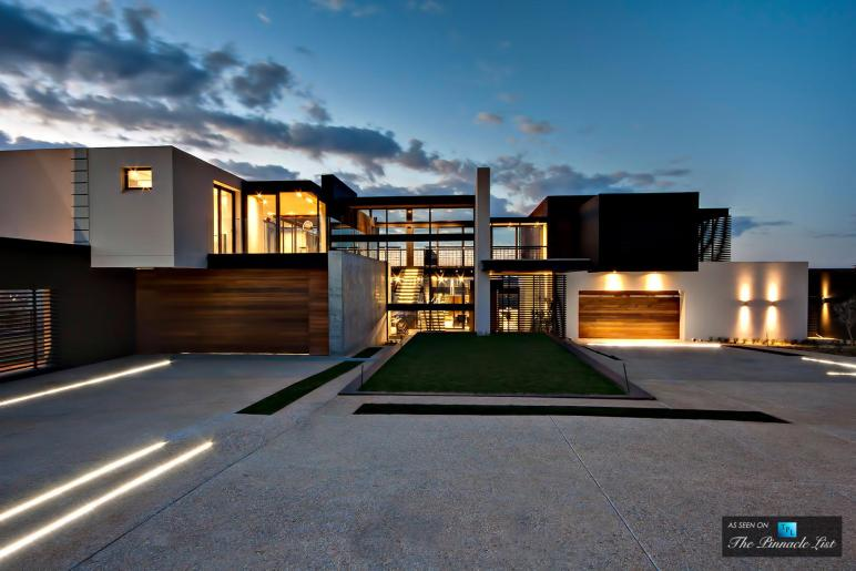 Boz House Luxury Residence Mooikloof Heights Pretoria