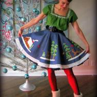 Cassie Stephens Diy Christmas Tablecloth Skirt