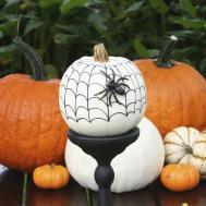 Chloe Crafts Carve Pumpkins Halloween