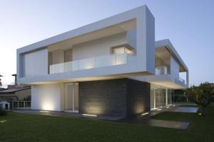 Contemporary Minimalist Villa Design Indoor Patio