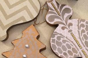 Diy Stenciled Christmas Tree Ornaments Hometalk