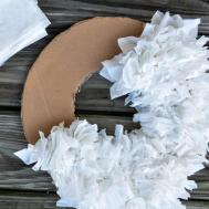 Diy Tissue Wreath Elisabeth Mcknight