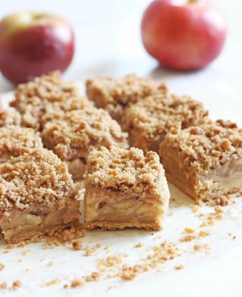 Easy Apple Crisp Bars Give Blonde Kitchen