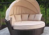 Enjoy Luxury Daybeds Using Outdoor