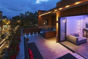 Fantastic Mentana Residence Montreal Canada