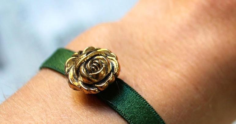 Few Good Things Diy Adjustable Bra Strap Bracelet