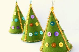 Handmade Helga Felt Christmas Tree Ornaments