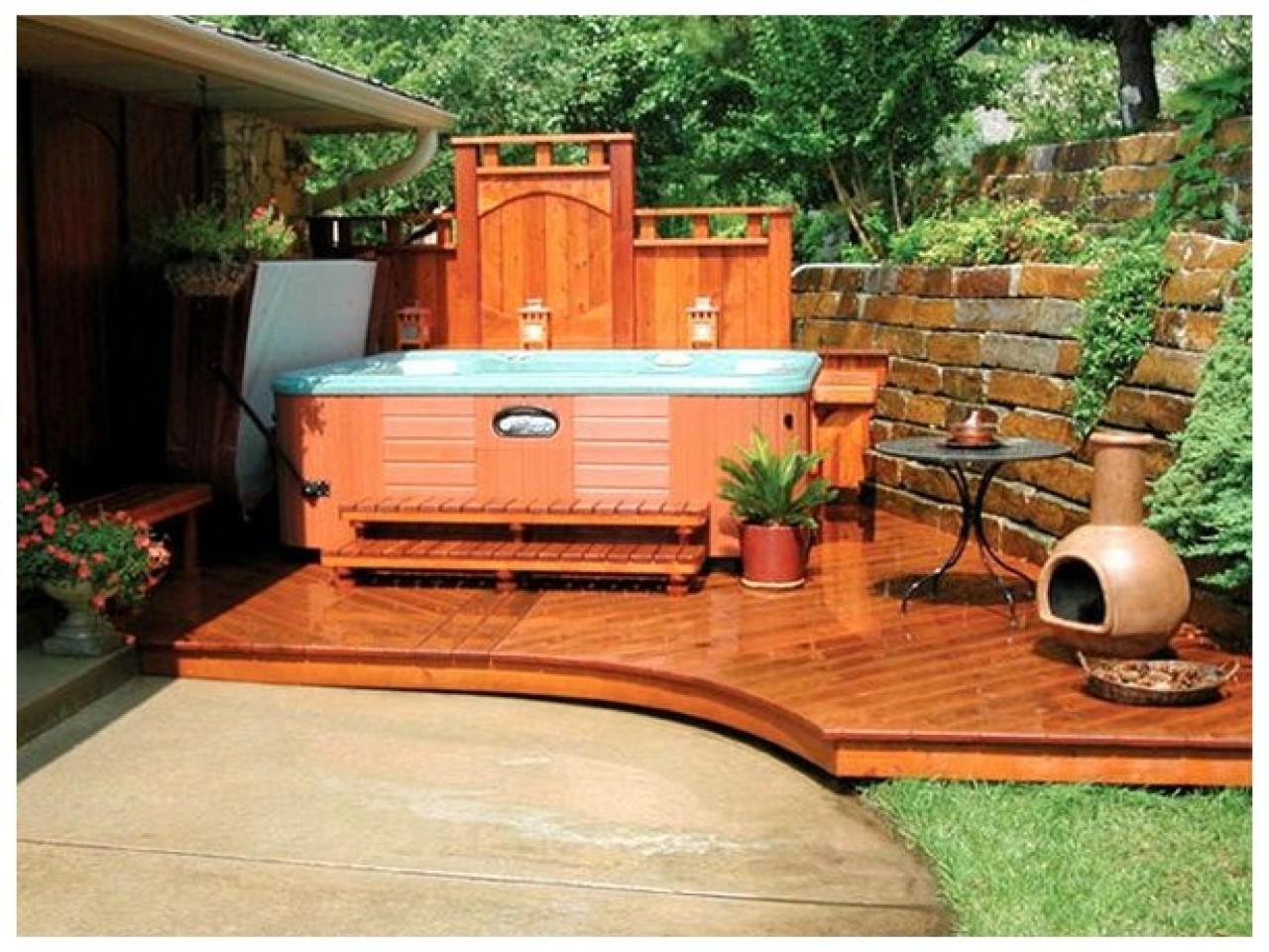 Home Design Ideas Cool Backyard Hot Tub Designs ...
