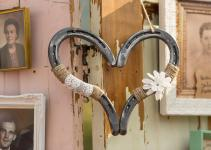 Horseshoe Wedding Decoration Ideas