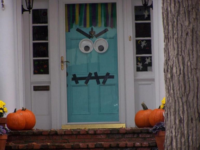 Ideas Halloween Decorations Door Warm Welcome