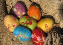 Items Similar Needle Felted Easter Egg Etsy