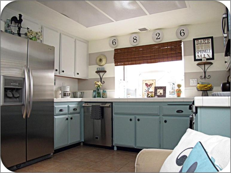 Kitchen Extraordinary Retro Ideas Rooster Themed