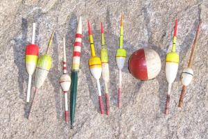 Lot Vintage Wood Fishing Float Bobber Hand Painted Wooden