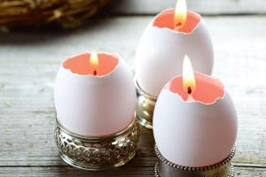 Make Pretty Easter Egg Candles Chatelaine