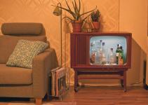 Man Turns Vintage Into Liquor Cabinet