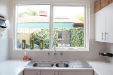 Minimalist Designed Contemporary Kitchen Decorated