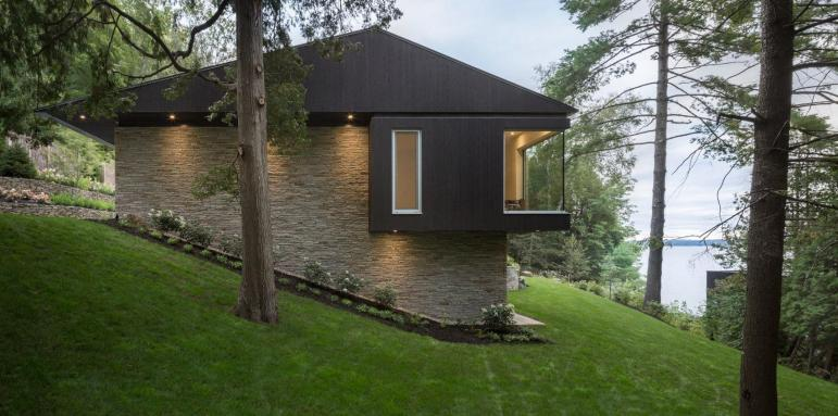 Modern Lakeside Home Comes Dashing Boathouse Curbed
