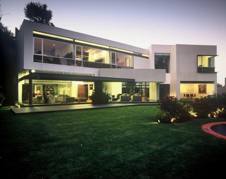 Modern Uban House Limestone Walls