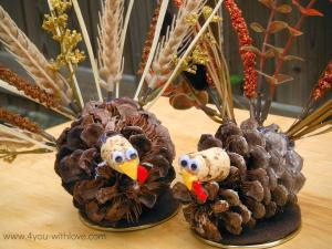 Pinecone Turkey Table Decorations Turkeytablescapes