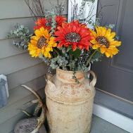 Pretty Spring Front Porch Decorating Ideas