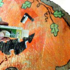 Punk Projects Diy Happy Jack Lantern Wood Slice