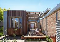 Retractable Roof House Kinetically Adapted Climate