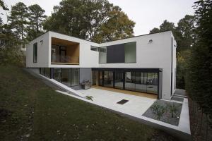 Shaped Modern Minimal Residence Sloped Lot Raleigh
