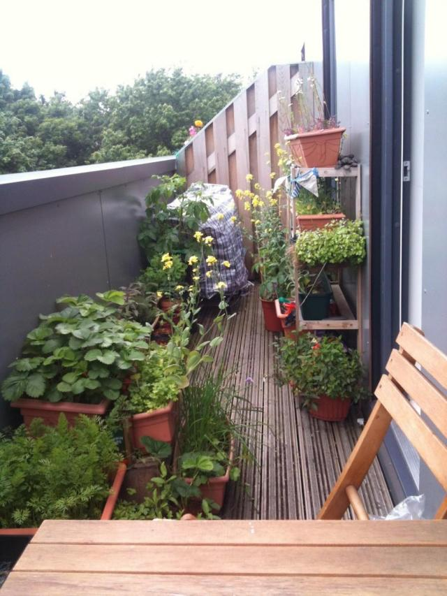 Creative Balcony Gardens Ideas Small Apartments That Can Make Your House Haunted Incredible Pictures Decoratorist