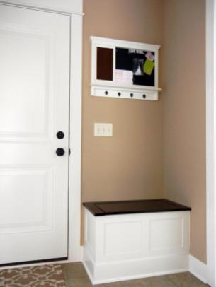 Small Entryway Bench Style Mudroom Ideas