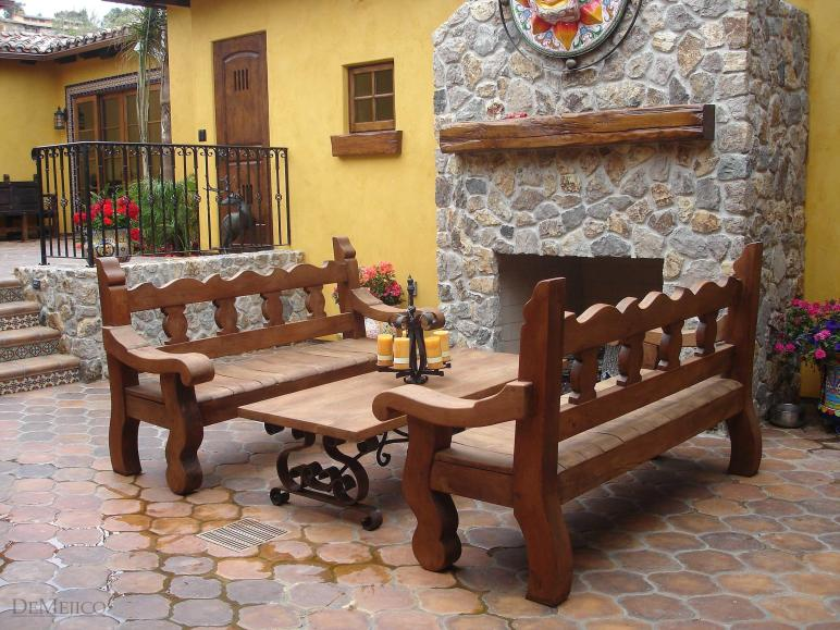 Spanish Style Outdoor Home Design Inside