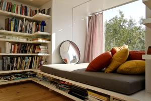 Top Cozy Reading Nooks Inspire Design