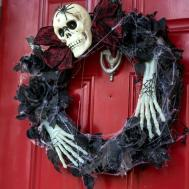 Woman Cheap Halloween Decorations Cost Her Less