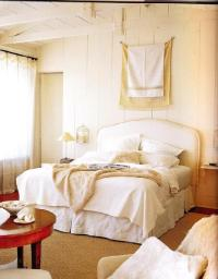 Cream Bedroom - Cottage - bedroom