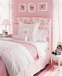 Little Girl's Pink Room - Traditional - girl's room