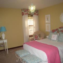 Bedroom Chair Pink Mechanical Girl's Room - Sherwin Williams Blonde