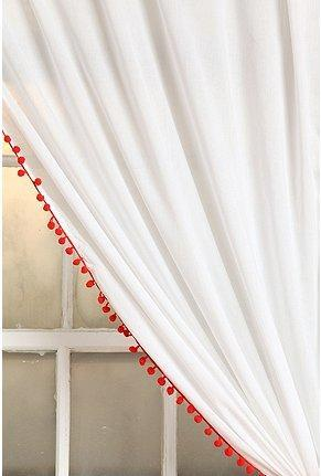 Gt Pompom Curtain
