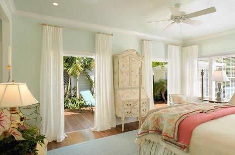 Bedroom in Green