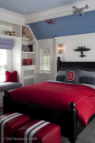 Boys room with red and gray bedding