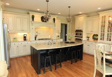 Cream Glazed Kitchen Cabinets