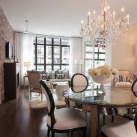Round Mirrored Table - Cottage - kitchen - Elle Decor