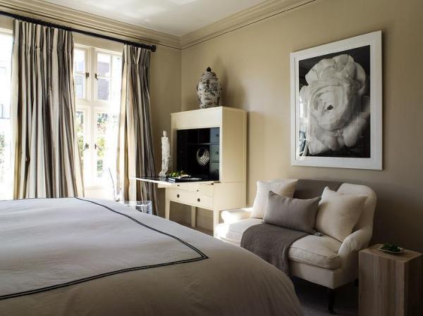 khaki bedroom curtains Khaki Walls Design Ideas