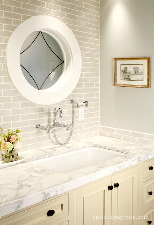 Gray Glass Tile Backsplash Design Ideas