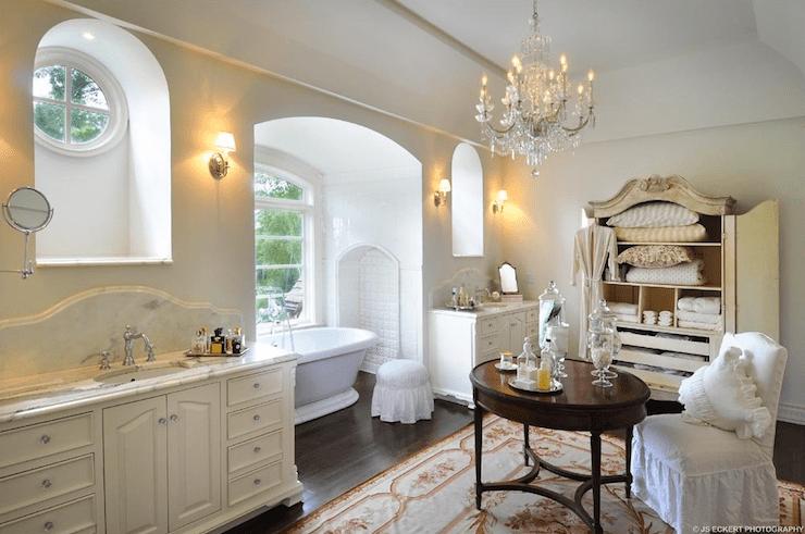Interior design inspiration photos by de Giulio Kitchen
