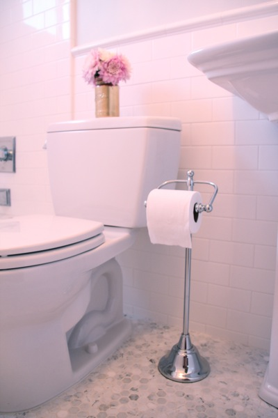 freestanding floor toilet paper