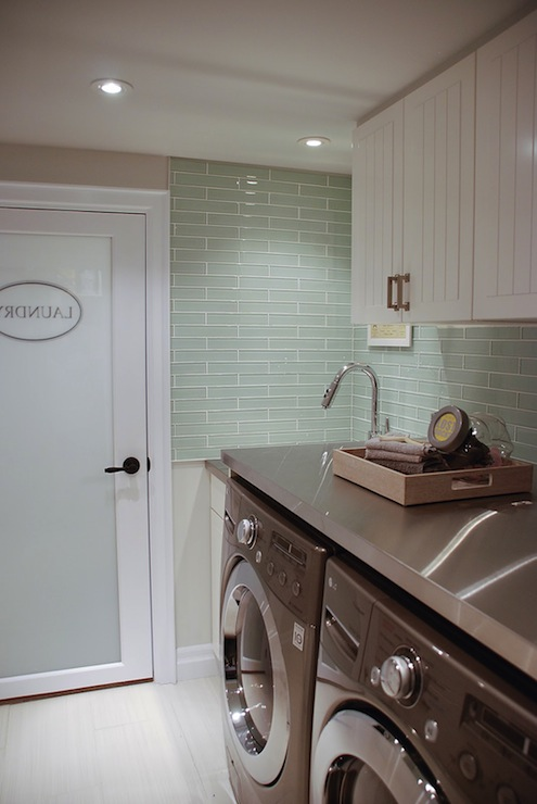 kitchen faucet with handspray outdoor countertops ikea laundry room cabinets design ideas