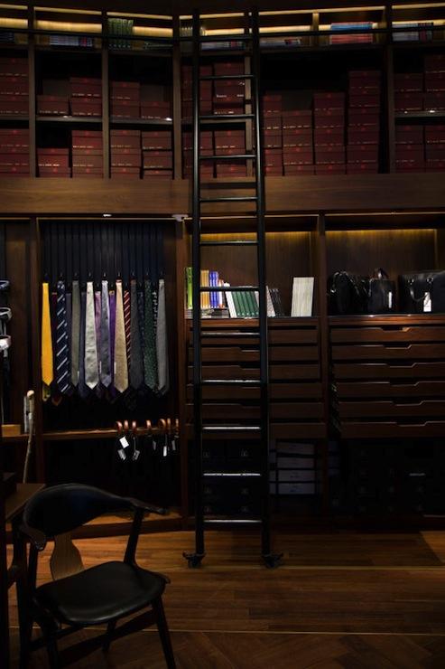 Friends Boy And Girl Wallpaper Gentlemans Closet Traditional Closet