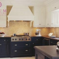 Kitchen Pendant Lights Over Island Apron For Kids Navy Blue Cabinets Design Ideas