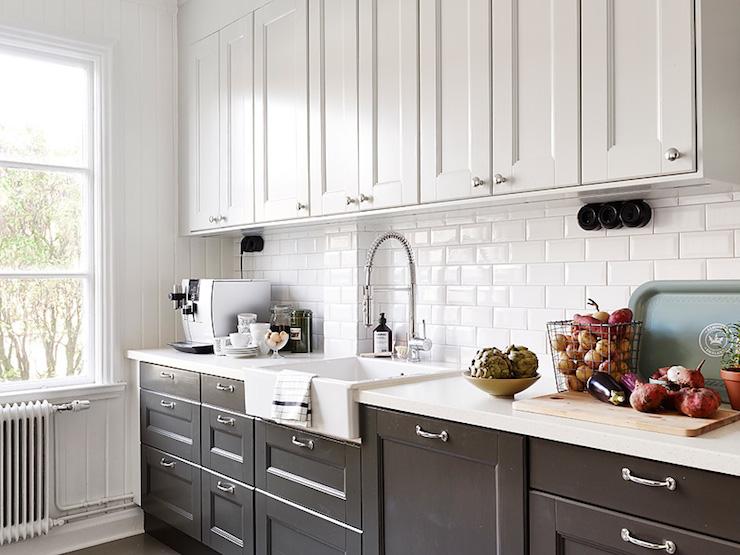 White Upper Cabinets Dark Lower Cabinets Design Ideas